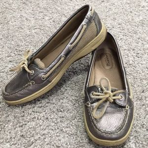 Women's size 6.5 Sperry silver boat shoes